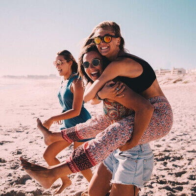 6 Healthy Ways to Celebrate Friendship