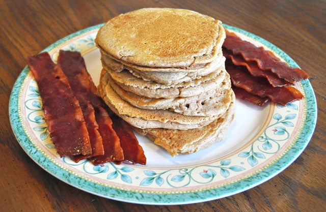 Healthy pancakes and bacon