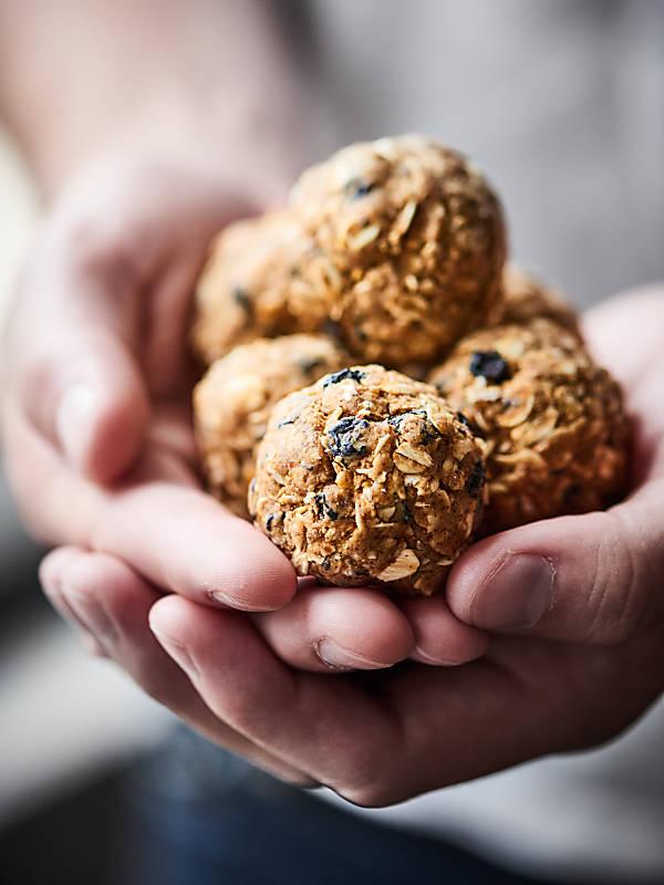Blueberry Muffin Energy Bites Recipe