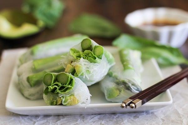 asparagus and avocado spring rolls to flush toxins