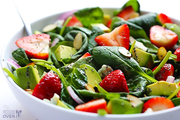 avocado strawberry spinach salad for a healthy cleanse