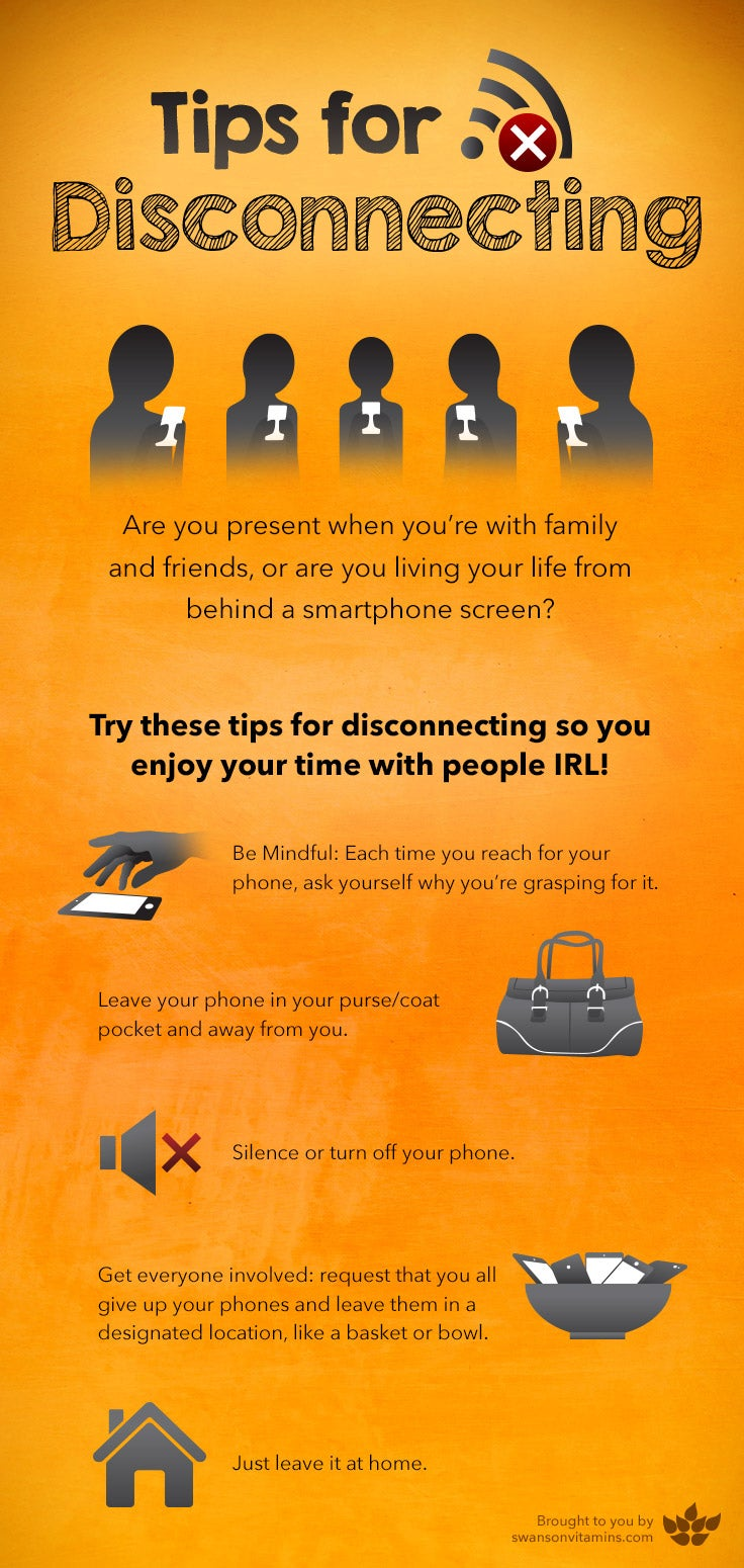 tips to disconnect from your phone in a social setting