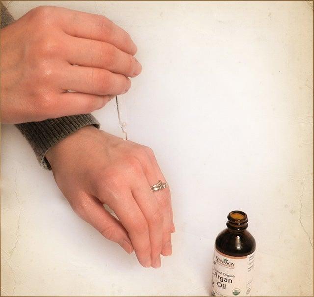 using argan oil for skin health