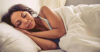 Melatonin vs. Valerian Root: Comparing Two Top Natural Sleep Supplements